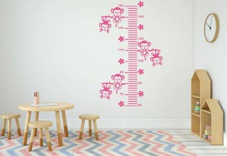 Sticker groeimeter aapjes aan tak roze 102 x 55 cm | Rosami