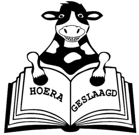 Sticker raam geslaagd koe met boek | Rosami