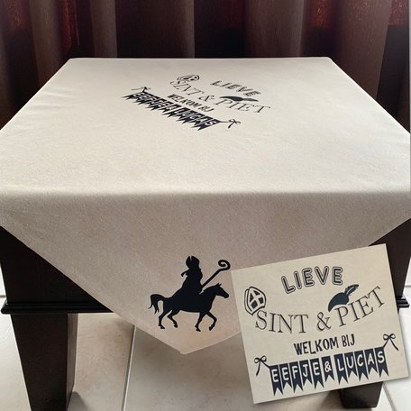 Tafelkleed katoen lieve Sint & Piet welkom bij | Met naam | 150 x 150 | Rosami | Sinterklaas