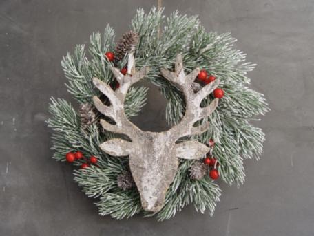 Kerstkrans met houten gewei groene takken rode besjes 30 cm | NFT-75442 | La Galleria