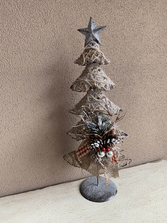 Kerstboom ijzer op voet met decoratie strik groene tak dennenappels en glitters 50 cm | JIF-45341 | La Galleria