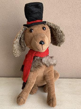 Deurstopper hond bruin zittend met zwarte hoed en rode sjaal 40 cm | MYD-17083 | La Galleria